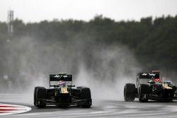 Vitaly Petrov, Caterham en ploegmaat Heikki Kovalainen