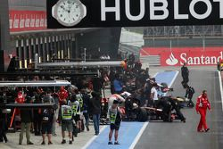Lewis Hamilton, McLaren in the pits
