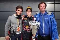 Race winner Antonio Felix Da Costa with team owner Trevor Carlin