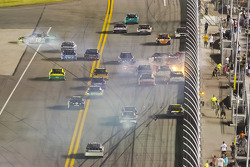 Big crash involving Kyle Busch and others