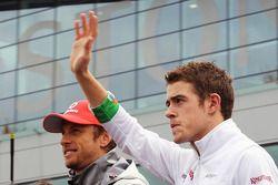 Jenson Button, McLaren en Paul di Resta, Sahara Force India F1 tijdens de rijdersparade