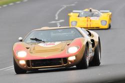 #29 Ford GT40: Claude Mahum