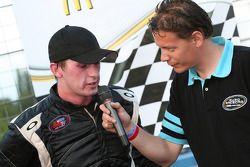 Race winnaar Ben Kennedy