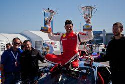 Alex Popow wins both races and celebrates