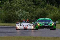 #05 CORE Autosport Oreca FLM09: Jonathan Bennett, Colin Braun getting ready to pass