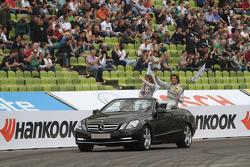 Susie Wolff, Persson Motorsport, AMG Mercedes C-Coupe Roberto Merhi, Persson Motorsport AMG Mercedes