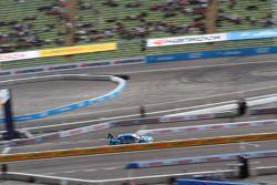 Joey Hand, BMW Team RMG, BMW M3 DTM; Roberto Merhi, Persson Motorsport, AMG Mercedes C-Coupe