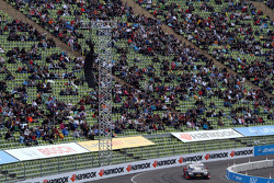 David Coulthard, Mücke Motorsport, AMG Mercedes C-Coupe; Edoardo Mortara, Audi Sport Team Rosberg, A