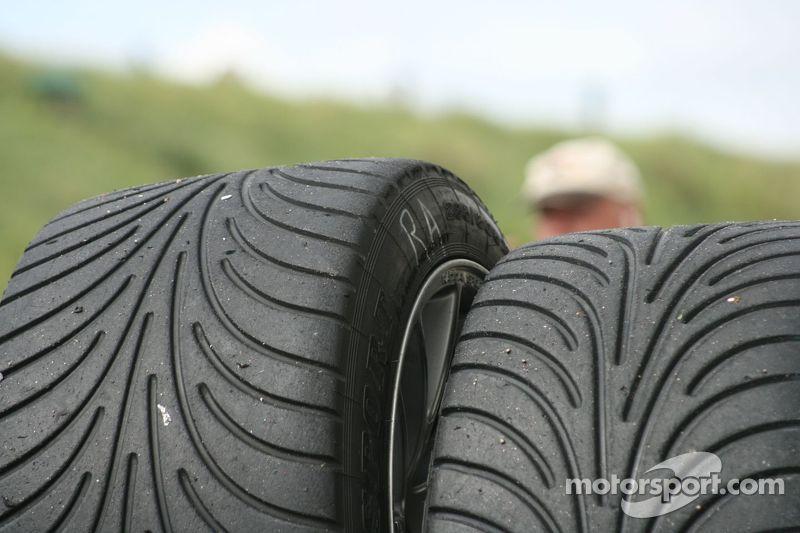 Rain tyres
