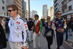 Signeersessie, Alberto Cerqui, BMW 320 TC, ROAL Motorsport en vriendin
