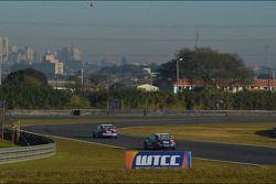 Alberto Cerqui, BMW 320 TC, ROAL Motorsport en Tom Coronel, BMW 320 TC, ROAL Motorsport