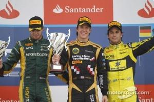 Podium: race winner James Calado, second place Giedo Van der Garde, third place Felipe Nasr