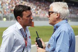 Will Buxton, Speed TV Sunucusu ve Charlie Whiting, FIA Delegesi gridde