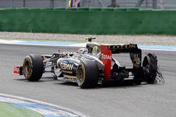 Romain Grosjean, Lotus F1 Team ve exploded tire puncher