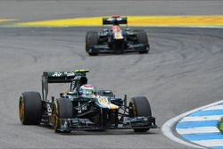 Vitaly Petrov, Caterham ve Heikki Kovalainen, Caterham
