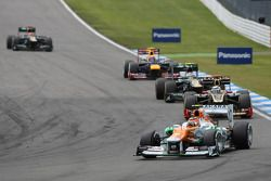 Nico Hulkenberg, Sahara Force India Formula One Team ahead of Kimi Raikkonen, Lotus F1 Team and