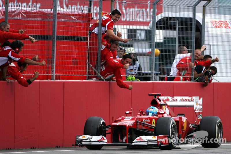 Испанец отлично начал чемпионат: после 11 Гран При из 20 он опережал ближайшего преследователя на 40 очков