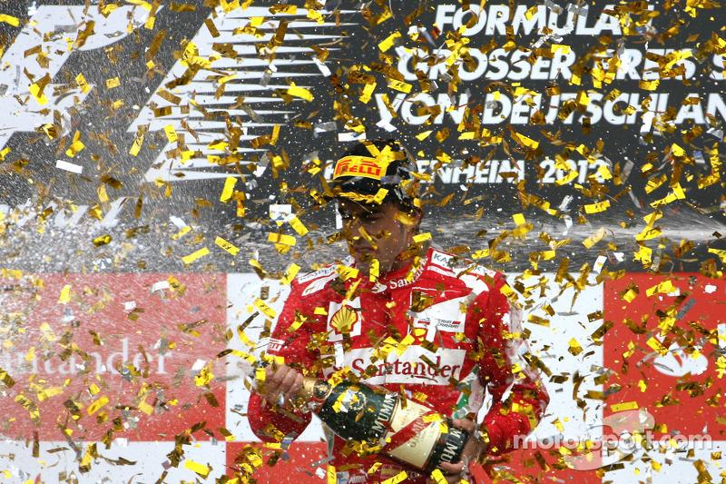 لاحقاً في ألمانيا، قام فرناندو ألونسو بحرمان سيباستيان فيتيل سائق ريد بُل من إحراز الفوز ضمن سباق موطنه