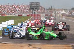 Sébastien Bourdais, Dragon Racing Chevrolet; James Hinchcliffe, Andretti Autosport Chevrolet; Will P