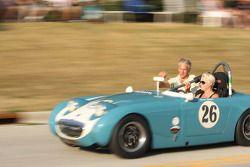 Parade in Elkhart Lake voor het Friday Concours. #26 1959 Austin Healy Sprite: Cara Comer