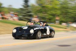 Parade in Elkhart Lake voor het Friday Concours #8 1958 Porsche 356: Paul Swanson