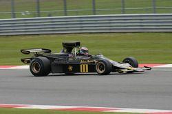 Andrew Beaumont - Lotus 76/1