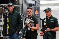 Vitaly Petrov, Caterham, ve takım arkadaşı Heikki Kovalainen, Caterham