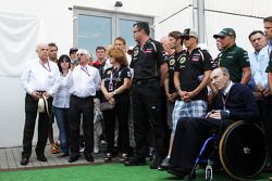 Bernie Ecclestone, drivers and key team personnel pay their respects to the Hungarian GP Promoter Thomas Frank, who died last month
