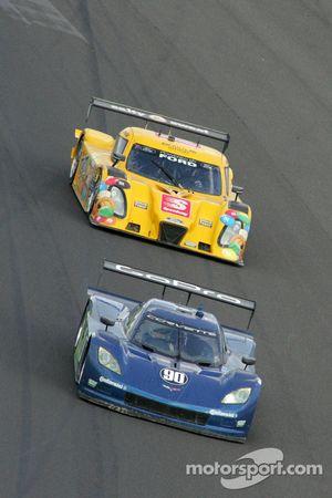 #90 Spirit of Daytona Racing Corvette DP: Antonio Garcia, Richard Westbrook en #77 Doran Racing Ford
