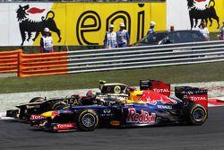 Romain Grosjean, Lotus F1 ve Sebastian Vettel, Red Bull Racing pozisyon mücadelesi, start, race
