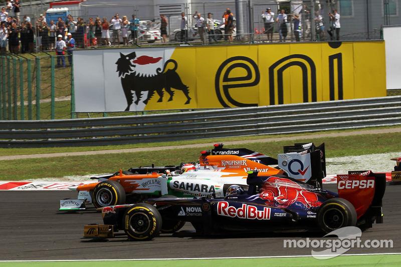Jean Eric Vergne, Scuderia Toro Rosso; Paul di Resta, Sahara Force India y Pastor Maldonado, William