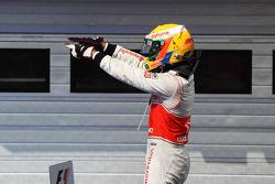 Ganador de la carrera Lewis Hamilton, McLaren celebra en parc ferme