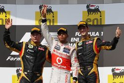 1st place Lewis Hamilton, McLaren Mercedes with 2nd place Kimi Raikkonen, Lotus Renault F1 Team and