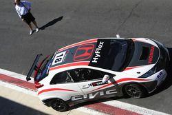 Tiago Monteiro pone a prueba el nuevo Honda Civic
