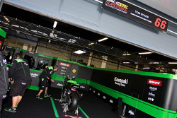 Tom Sykes Pit Garage