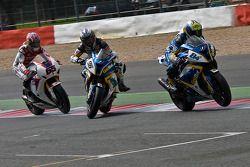 Мишель Фабрицио, Джонатан Ри и Айртон Бадовини. Сильверстоун, первая воскресная гонка.