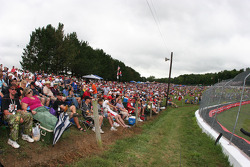 Crowd at the corners 4, 5 & 6