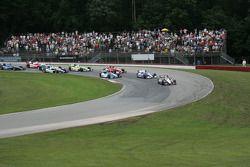 Will Power, Team Penske Chevrolet aan de leiding door bocht 4
