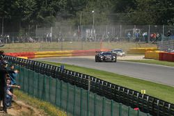 In het gravel, #98 JB Motorsport Audi R8 LMS: Jan Brunstedt, Mikael Bender, Jocke Mangs