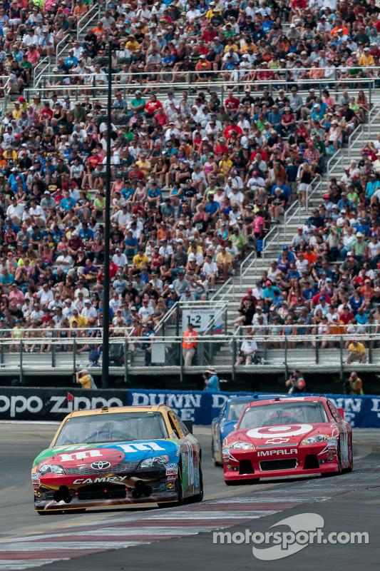 Juan Pablo Montoya, Earnhardt Ganassi Racing Chevrolet, Kyle Busch, Joe Gibbs Racing Toyota