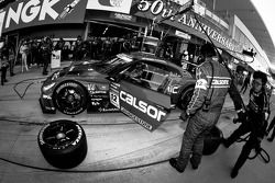 Pit stop for #12 Team Impul Nissan GT-R: Joao Paulo de Oliveira, Tsugio Matsuda