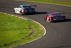 #3 NDDP Racing Nissan GT-R Nismo GT3: Yuhi Sekiguchi, Katsumasa Chiyo, Daiki Sasaki en #23 Nismo Nis