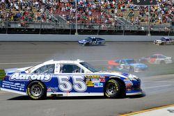 Problemen voor Mark Martin, Michael Waltrip Racing Toyota
