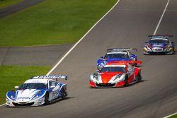 GT500 start: #32 Nakajima Racing Honda HSV-010 GT: Ryo Michigami, Yuki Nakayama and #8 Autobacs Raci