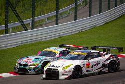 GT300 start: #0 GSR&Studie with Team Ukyo BMW Z4 GT3: Nobuteru Taniguchi, Tatsuya Kataoka en #3 NDDP