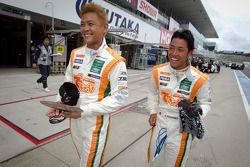 GT300 polepositie voor Hiroki Yoshimoto en Kazuki Hoshino