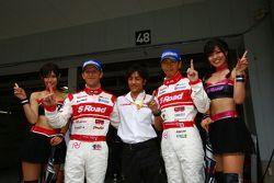 GT500 pole winners Ronnie Quintarelli and Masataka Yanagida celebrate