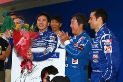 Tsugio Matsuda viert 100th Super GT race
