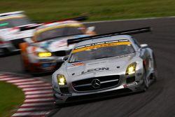 #52 Green Tec & Leon Racing Team Mercedes-Benz SLS AMG GT3: Hironori Takeuchi, Haruki Kurosawa, Akih
