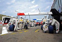 Pit crew, BMW Team Schnitzer